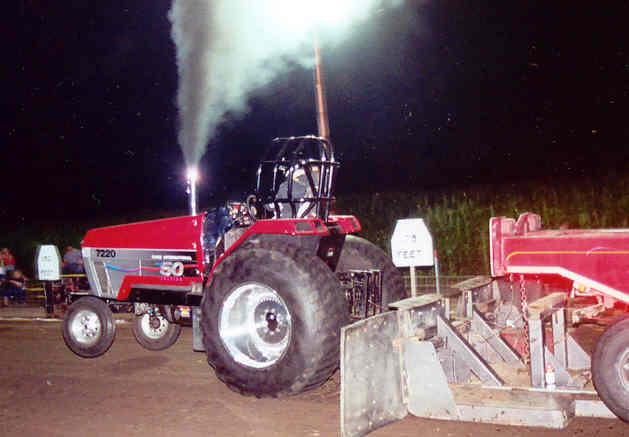 Souped Up Tractor : Tractor pull